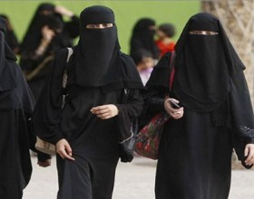 Cairo University's veil ban for instructors sparked a wave of controversy.